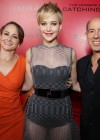 Jennifer Lawrence - The Hunger Games: Catching Fire Hollywood Premiere -08