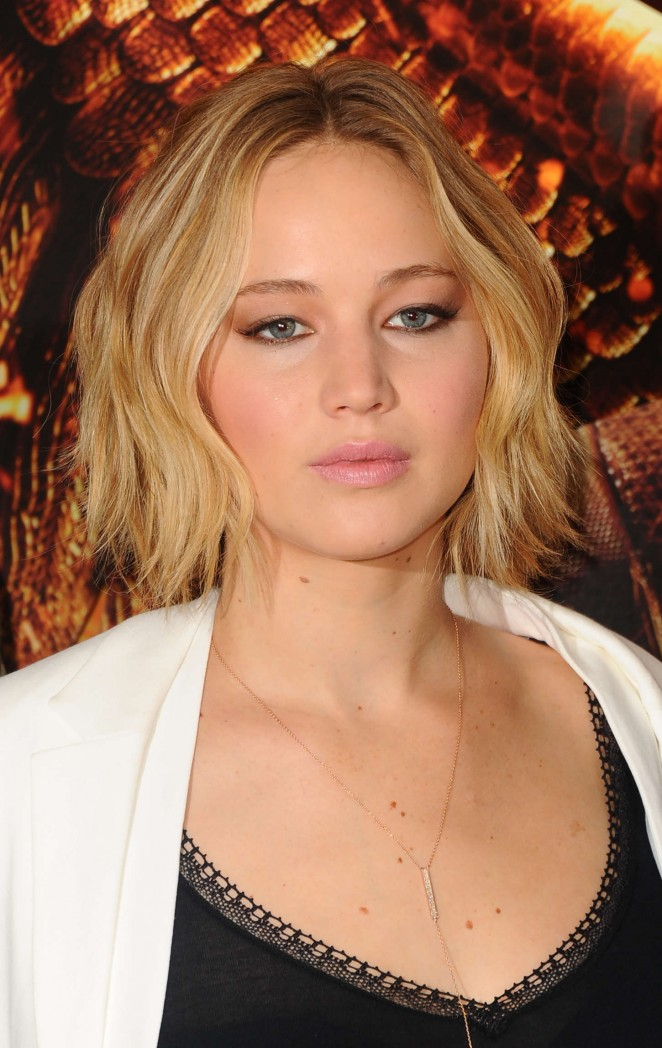 Jennifer Lawrence - The Hunger Games: Mockingjay Part 1 Photocall in London