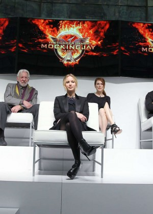 Jennifer Lawrence - The Hunger Games: Mockingjay - Part 1 NY Press Conference -08