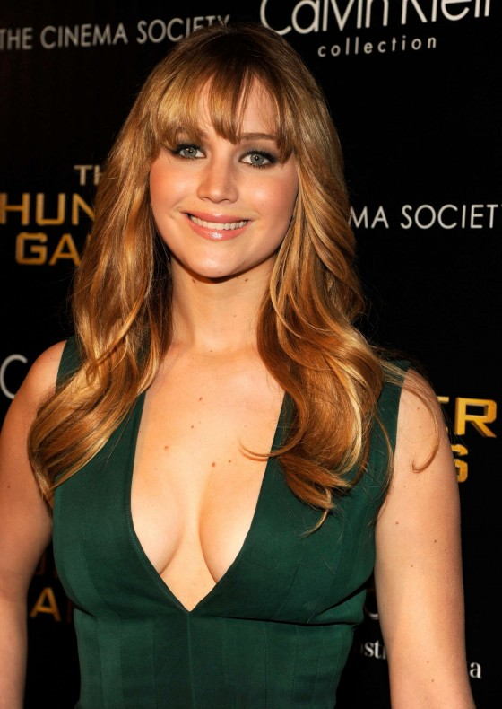 Jennifer Lawrence Cleavage At The Hunger Games In Ny 23