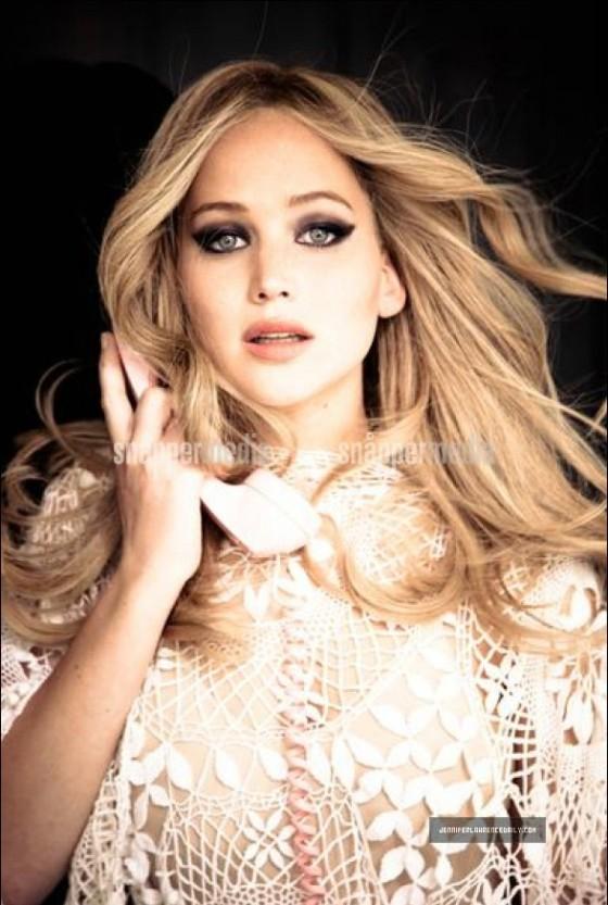 Jennifer Lawrence: Vanity Fair magazine (February 2013)-12
