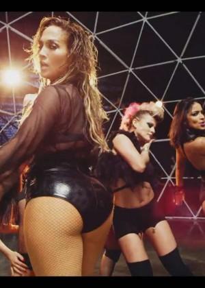 Jennifer Lopez: Adrenalina video caps -01