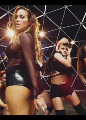 Jennifer Lopez: Adrenalina video caps -03
