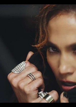 Jennifer Lopez: Adrenalina video caps -06