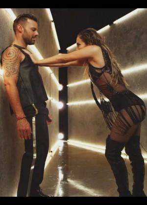 Jennifer Lopez: Adrenalina video caps -25