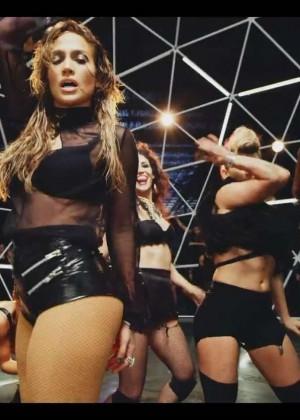 Jennifer Lopez: Adrenalina video caps -27