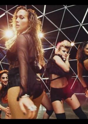 Jennifer Lopez: Adrenalina video caps -28