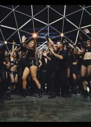 Jennifer Lopez: Adrenalina video caps -30