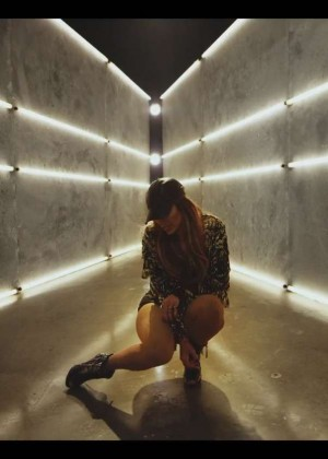 Jennifer Lopez: Adrenalina video caps -38