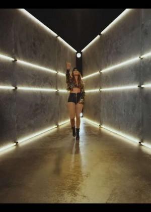 Jennifer Lopez: Adrenalina video caps -39
