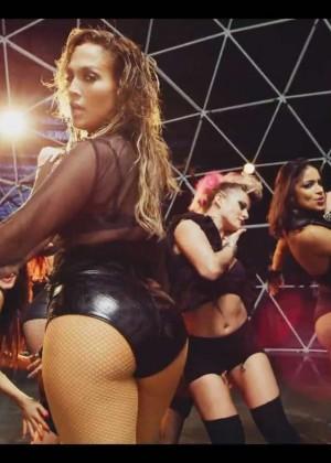 Jennifer Lopez: Adrenalina video caps -44