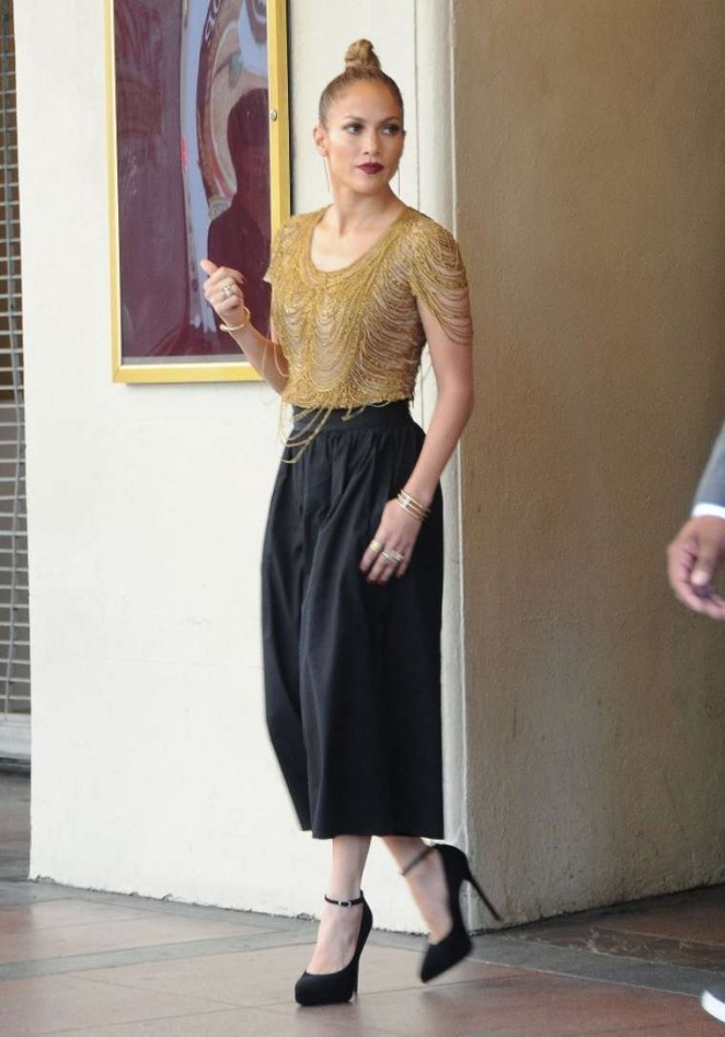 Jennifer Lopez – Arriving on the set of 'American Idol' in Hollywood