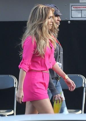 Jennifer Lopez in Pink Shorts at American Idol -02
