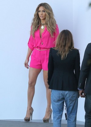 Jennifer Lopez in Pink Shorts at American Idol -06