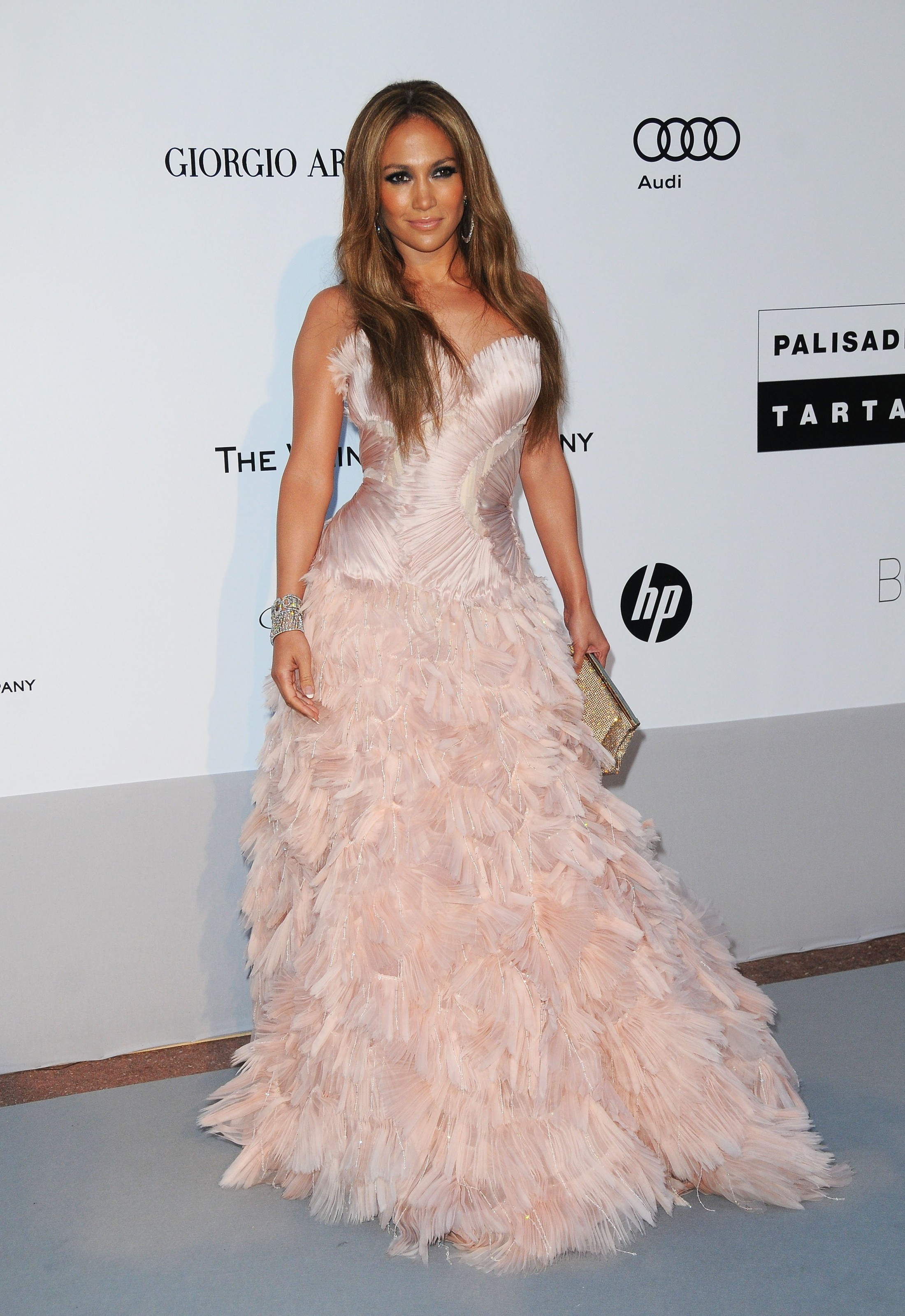 Jennifer Lopez 2010 : jennifer-lopez-at-amfars-cinema-against-aids-2010-benefit-gala-04