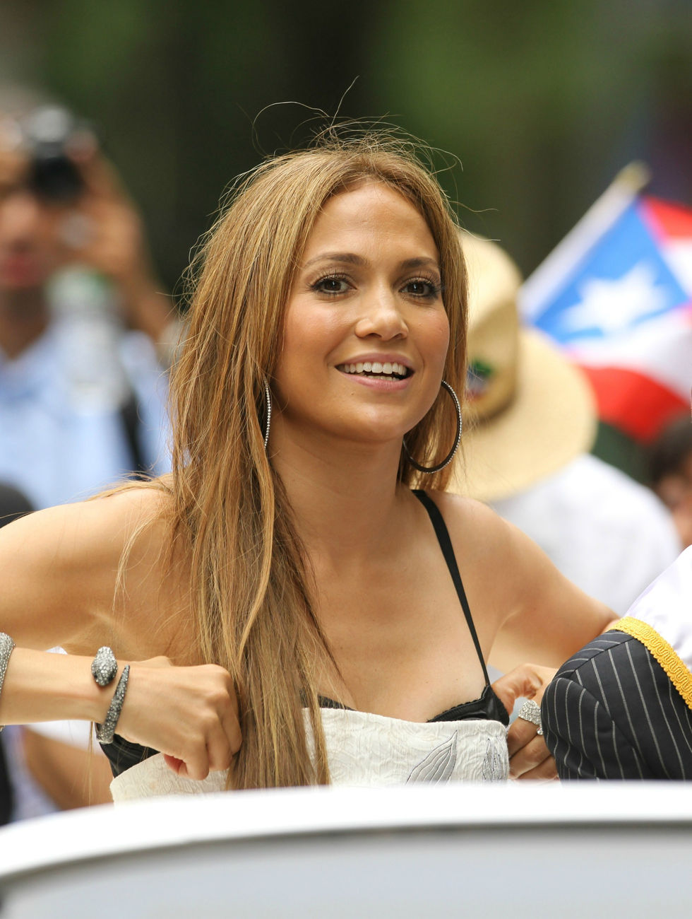 Jennifer Lopez 2010 : jennifer-lopez-at-puerto-rican-day-parade-jun-2010-05