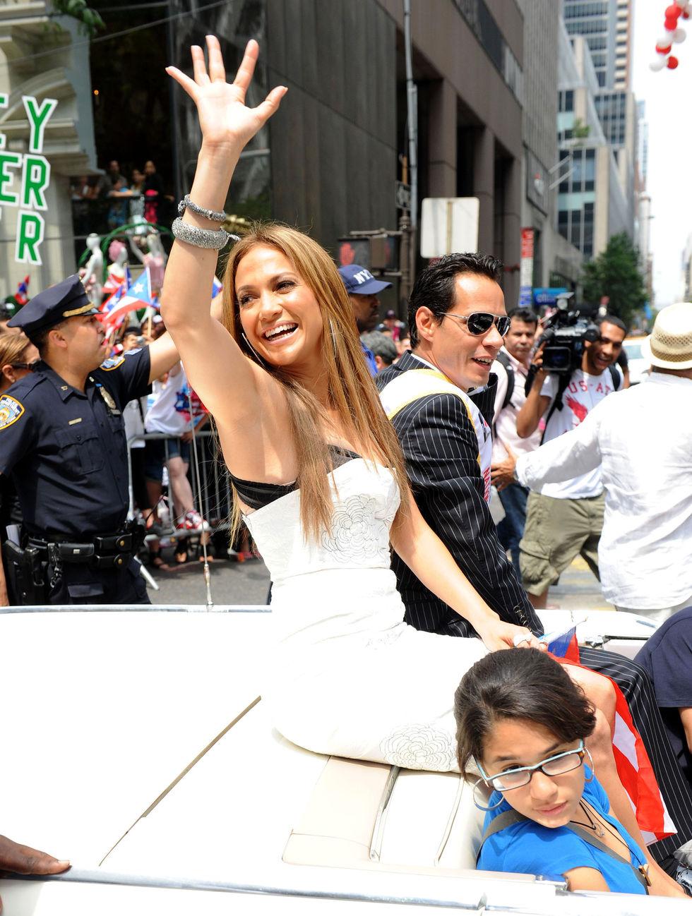 Jennifer Lopez 2010 : jennifer-lopez-at-puerto-rican-day-parade-jun-2010-11