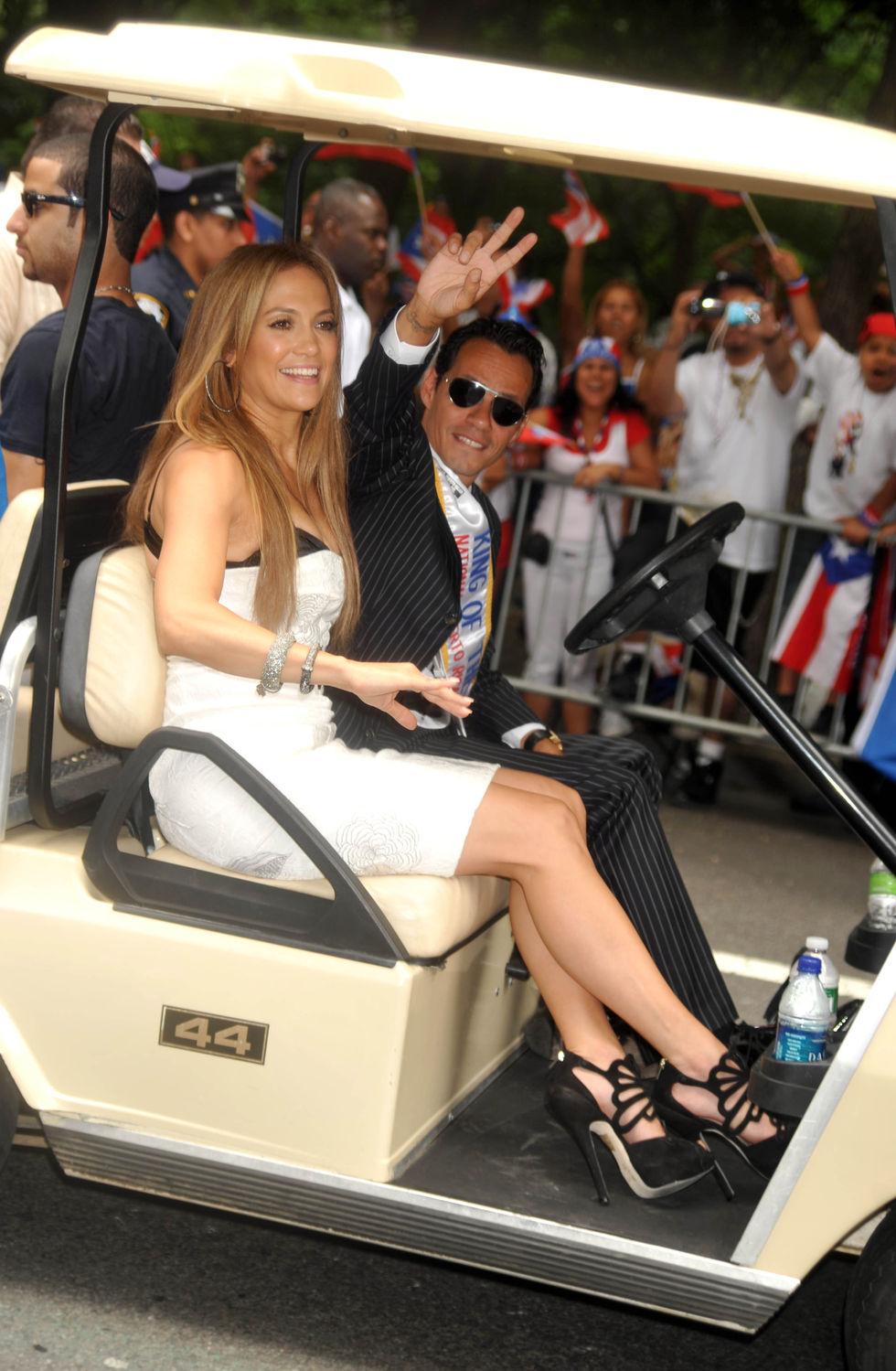 Jennifer Lopez 2010 : jennifer-lopez-at-puerto-rican-day-parade-jun-2010-15