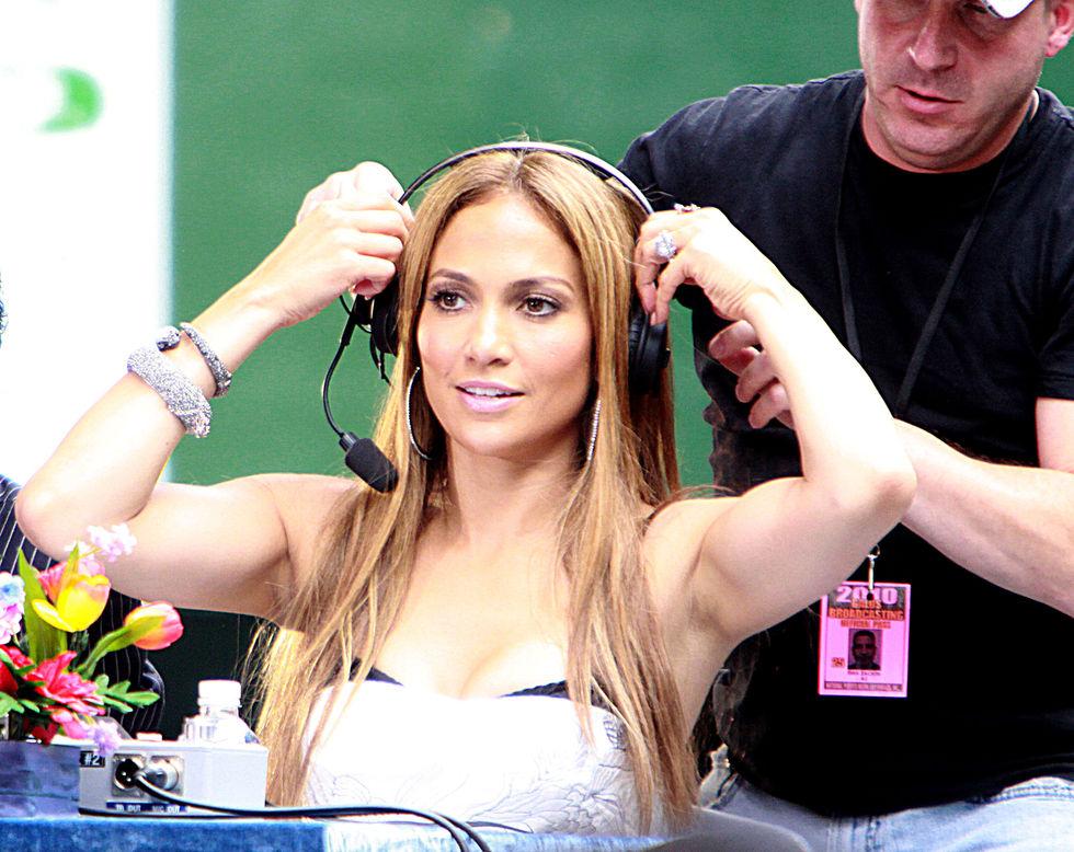 Jennifer Lopez 2010 : jennifer-lopez-at-puerto-rican-day-parade-jun-2010-17