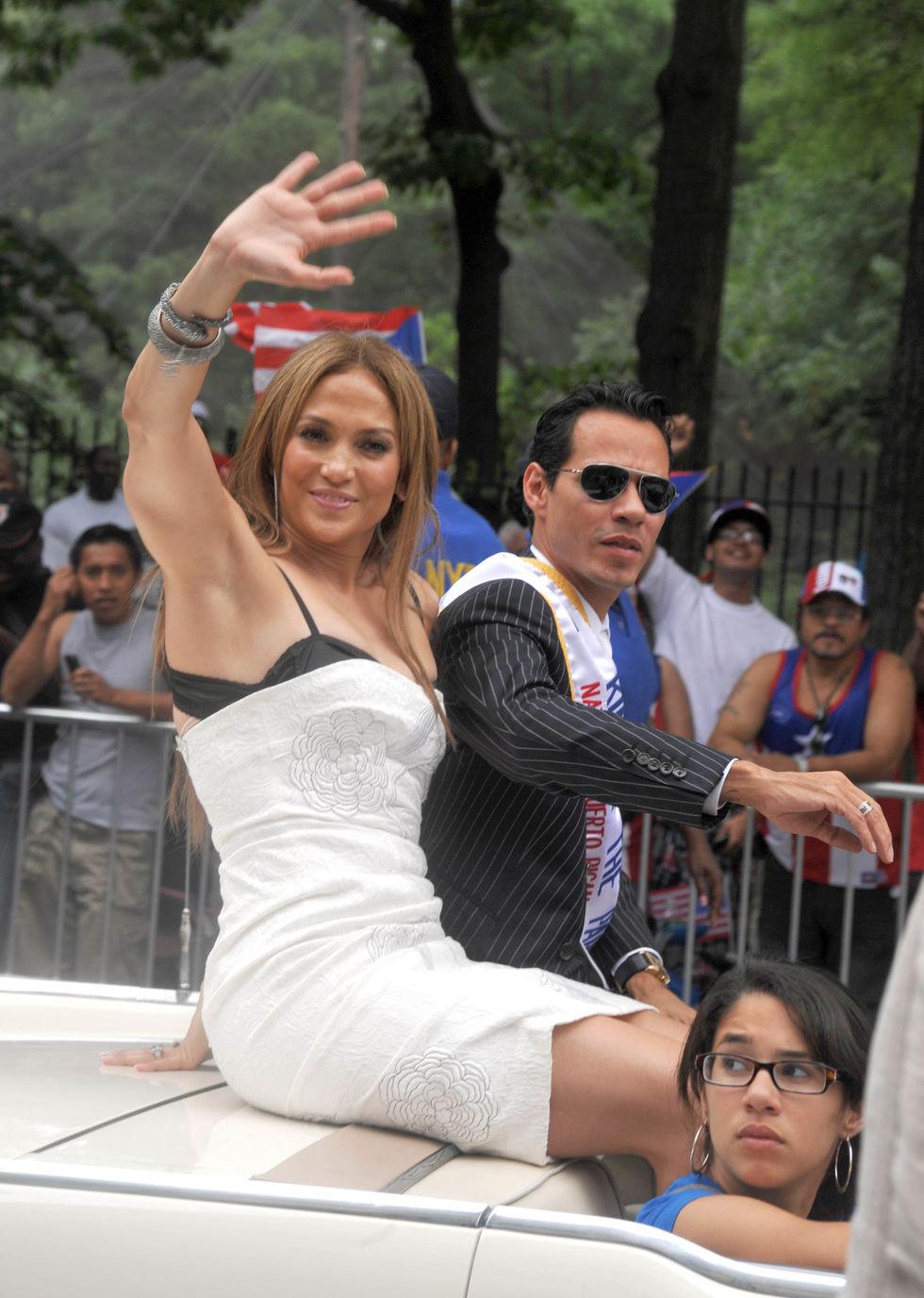 Jennifer Lopez 2010 : jennifer-lopez-at-puerto-rican-day-parade-jun-2010-22
