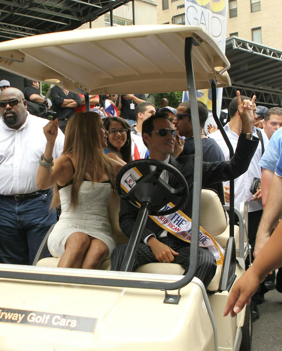 Jennifer Lopez 2010 : jennifer-lopez-at-puerto-rican-day-parade-jun-2010-25