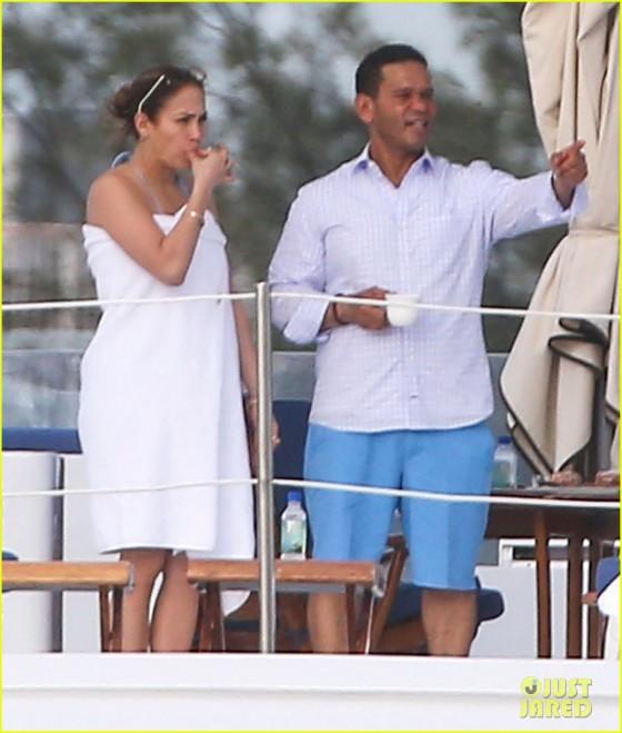 Jennifer Lopez – Bikini on a yacht in Miami-10