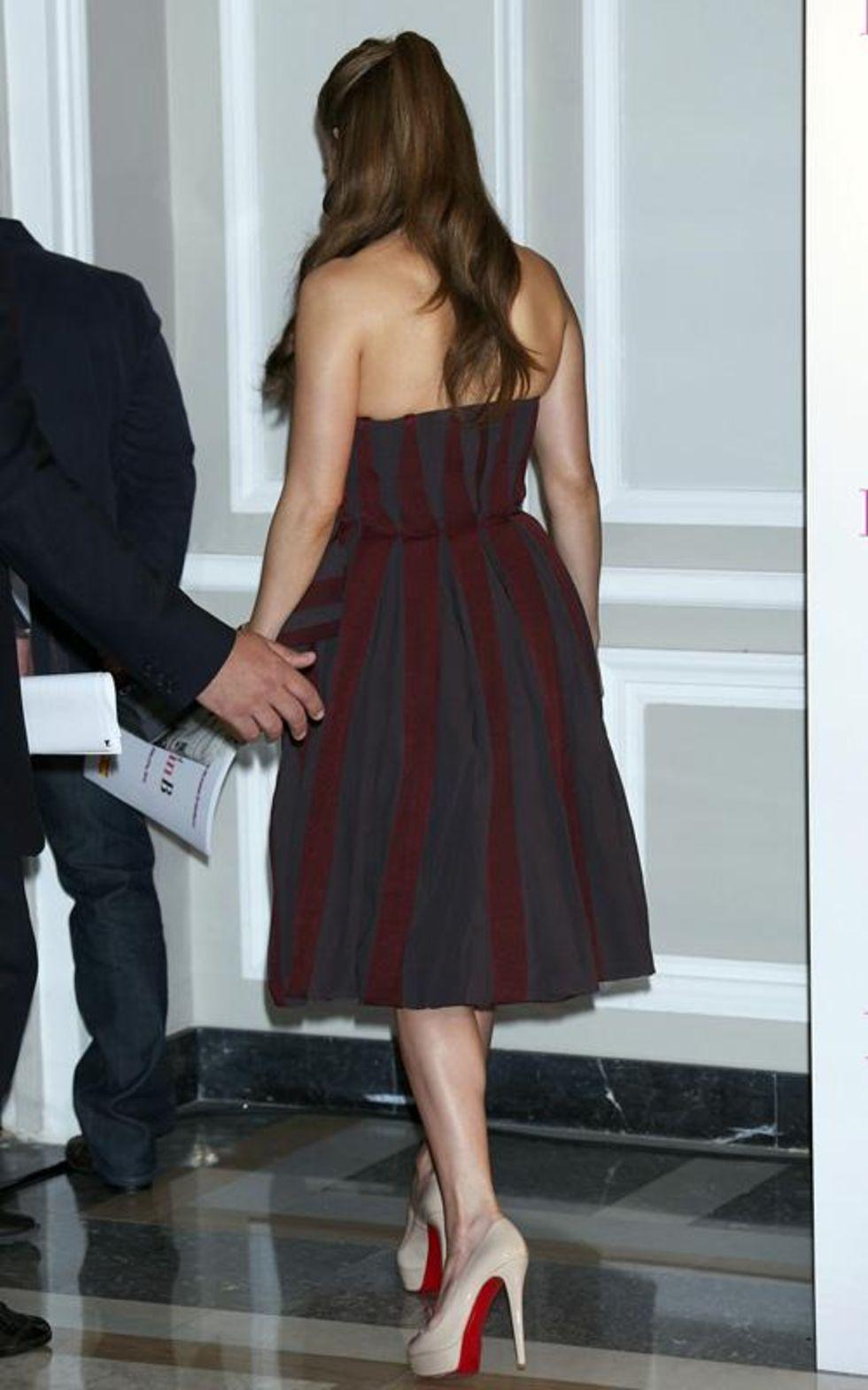 Jennifer Lopez 2010 : jennifer-lopez-candids-in-spain-01