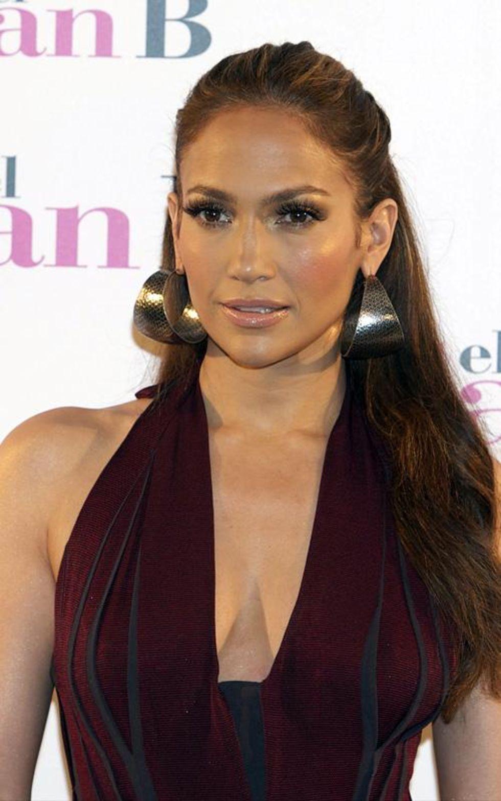 Jennifer Lopez 2010 : jennifer-lopez-candids-in-spain-04
