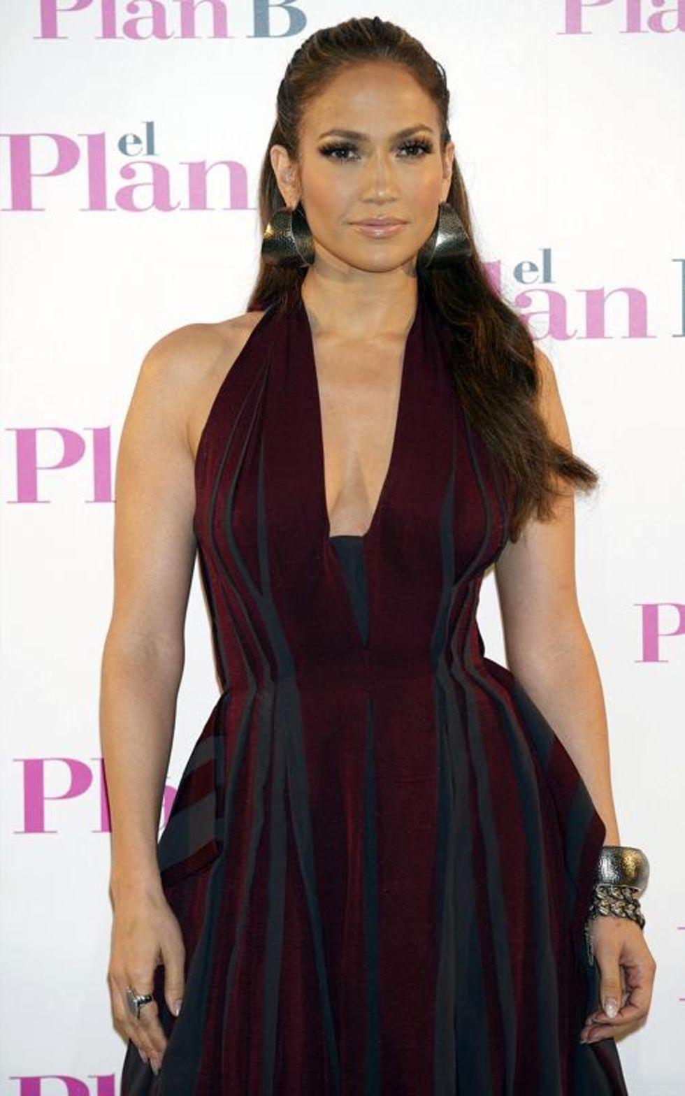 Jennifer Lopez 2010 : jennifer-lopez-candids-in-spain-08