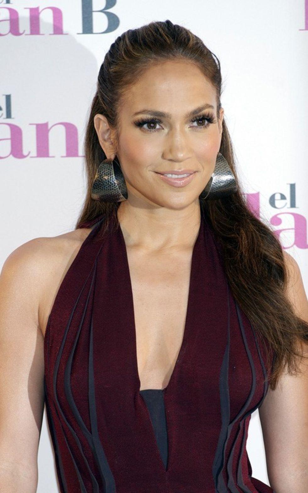 Jennifer Lopez 2010 : jennifer-lopez-candids-in-spain-09