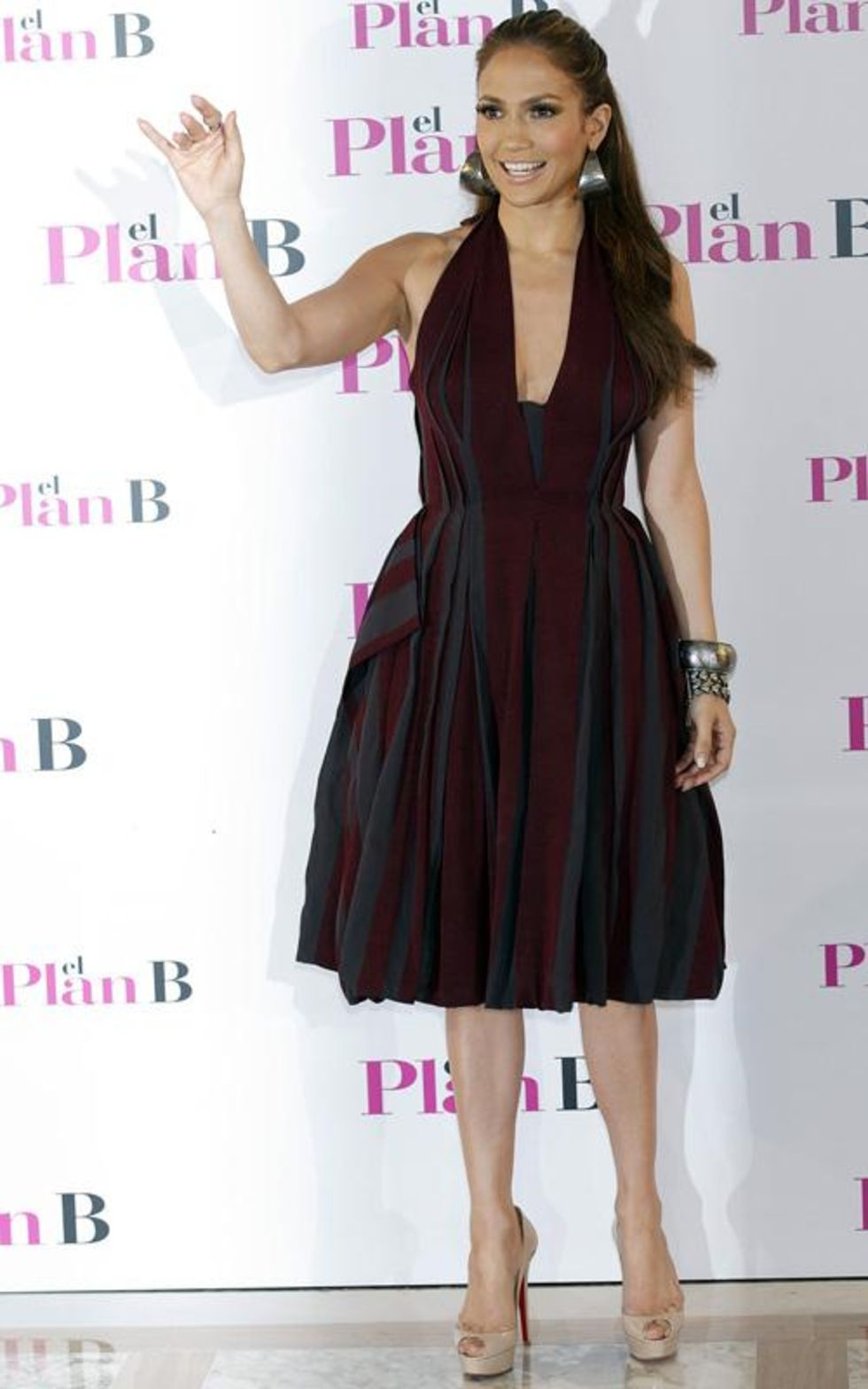 Jennifer Lopez 2010 : jennifer-lopez-candids-in-spain-11