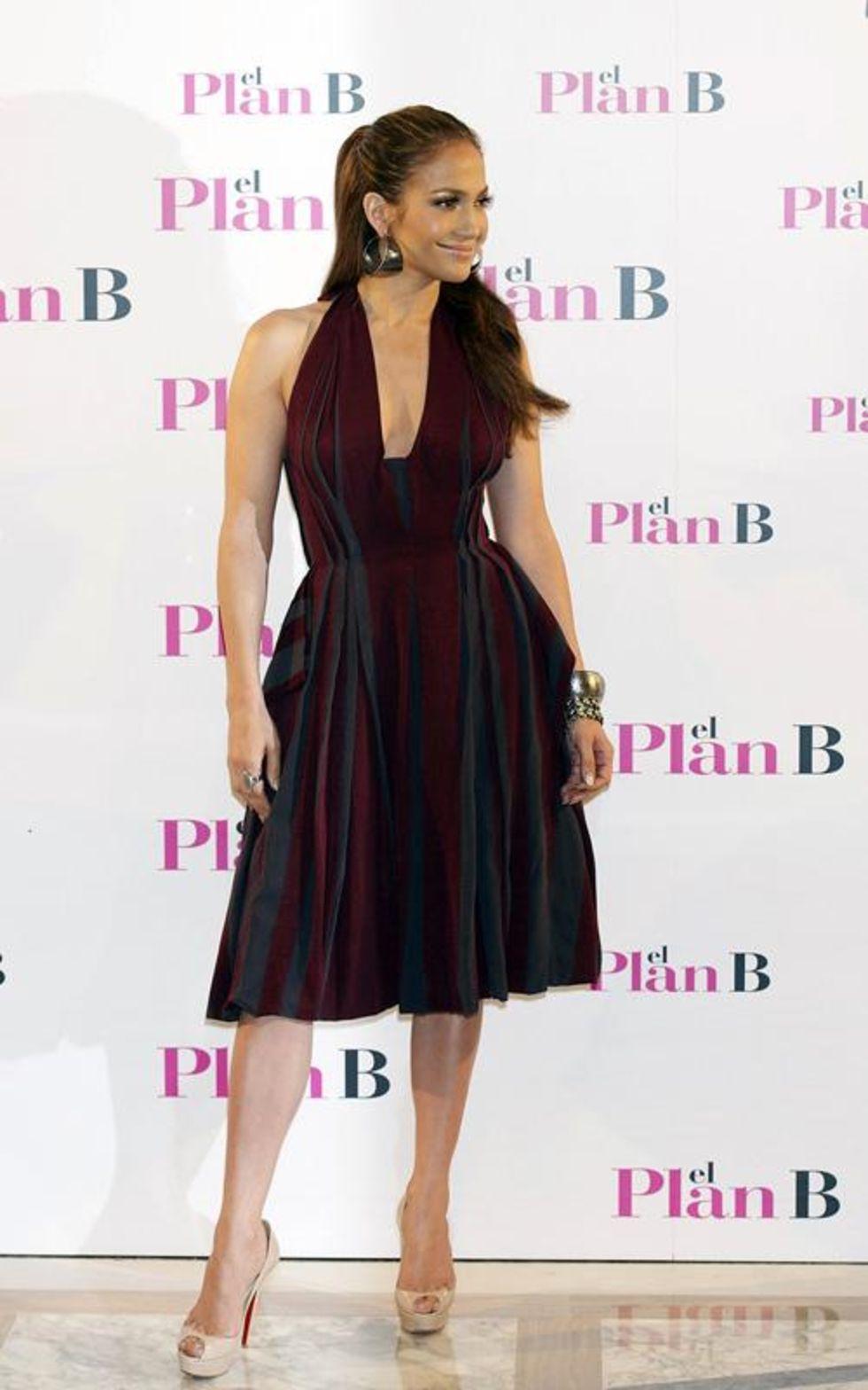 Jennifer Lopez 2010 : jennifer-lopez-candids-in-spain-16