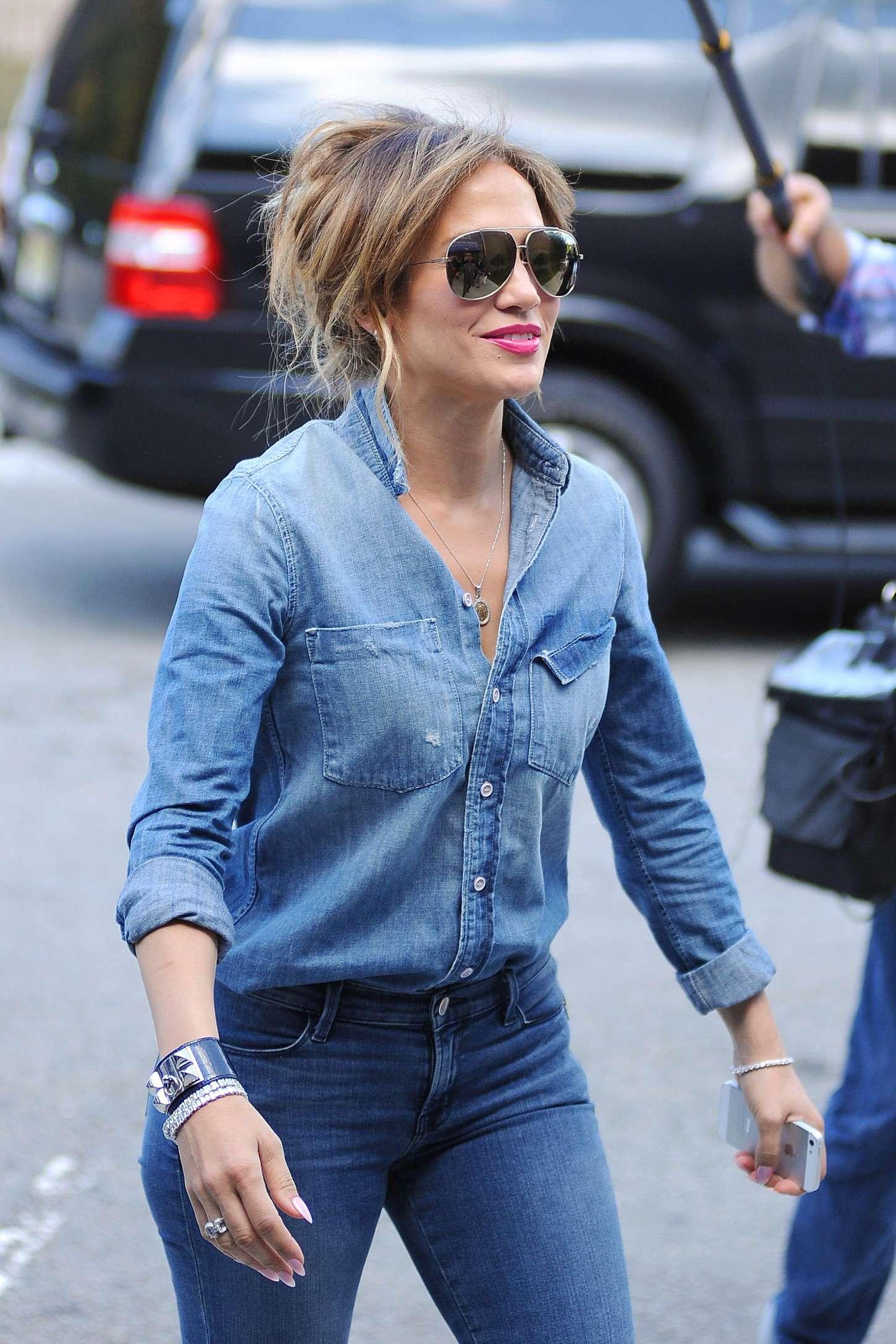 Jennifer Lopez In Tight Jeans 36 Gotceleb