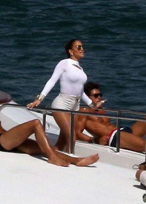 Jennifer Lopez Hot In White Shorts On A Yacht -13