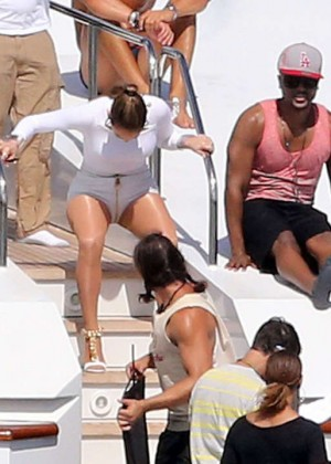 Jennifer Lopez Hot In White Shorts On A Yacht -27