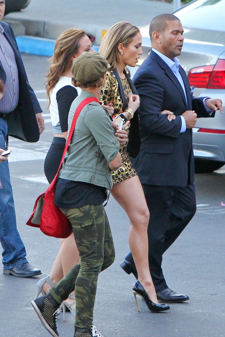 Jennifer Lopez 2014 : Jennifer Lopez: Leggy in Short Dress -04