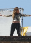 jennifer-lopez-on-the-set-of-follow-the-leader-in-acapulco-09