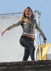 jennifer-lopez-on-the-set-of-follow-the-leader-in-acapulco-10