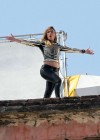 jennifer-lopez-on-the-set-of-follow-the-leader-in-acapulco-19