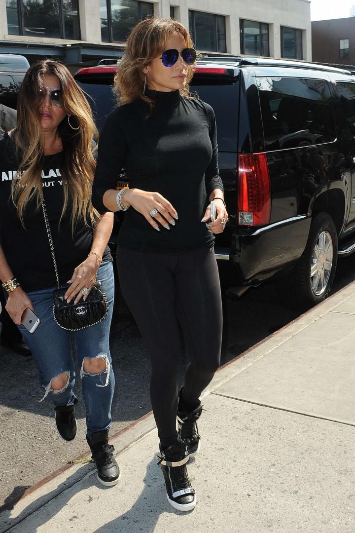 Jennifer Lopez 2014 : Jennifer Lopez in Black Tights -15