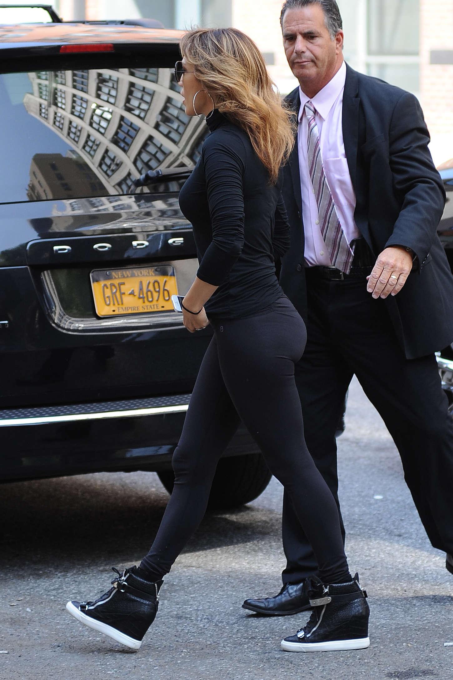 Jennifer Lopez 2014 : Jennifer Lopez in Black Tights -19