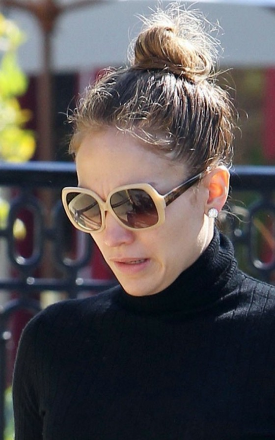 Jennifer Lopez out in Calabasas (April 22)
