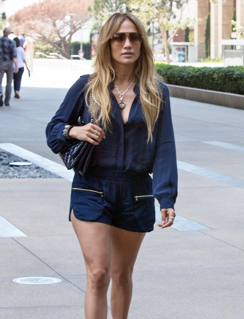 Jennifer Lopez 2014 : Jennifer Lopez – out in Century City -07
