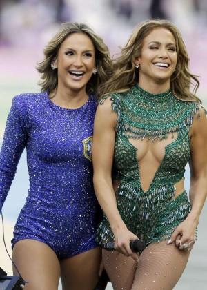 Jennifer Lopez and Claudia Leitte - Brazil 2014 -24