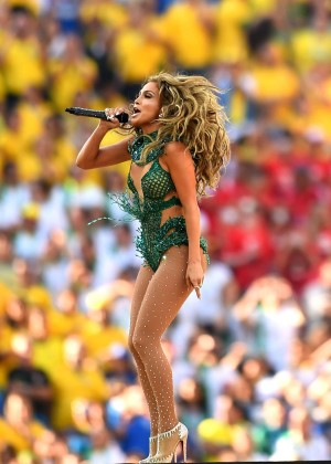 Jennifer Lopez and Claudia Leitte - Brazil 2014 -25
