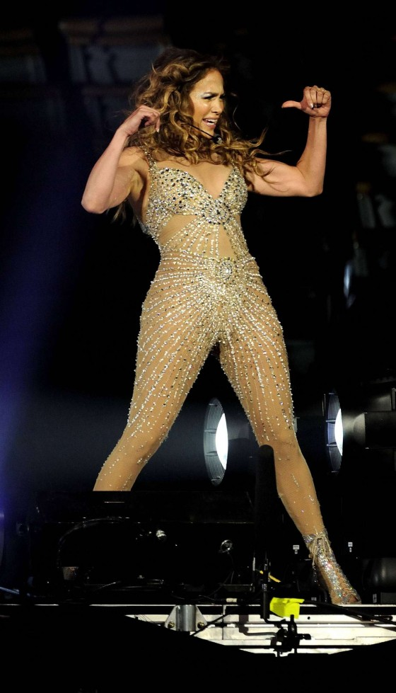 Jennifer Lopez - Live at Air Canada Centre in Toronto