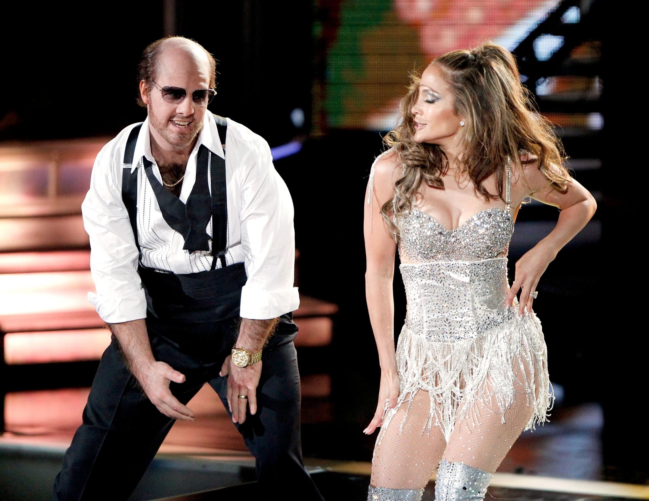 Jennifer Lopez 2010 : jennifer-lopez-performing-at-the-2010-mtv-movie-awards-03