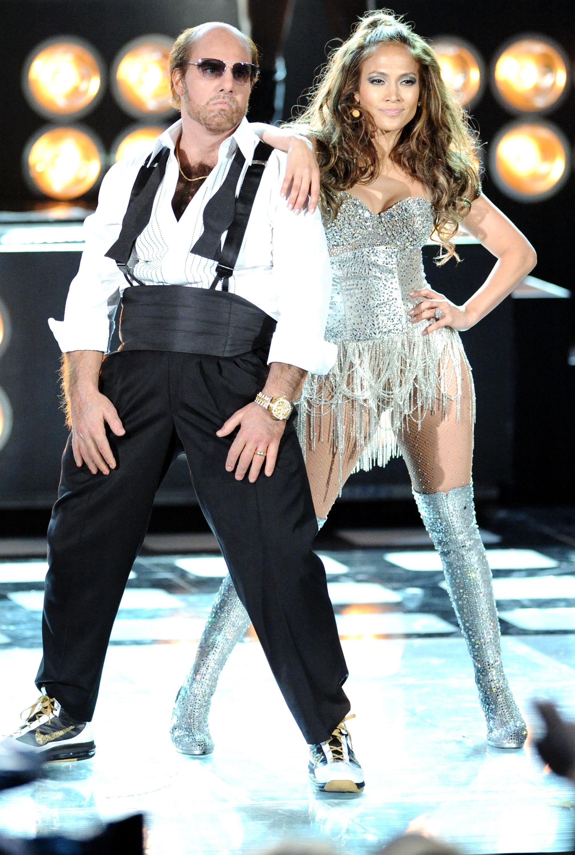 Jennifer Lopez 2010 : jennifer-lopez-performing-at-the-2010-mtv-movie-awards-04