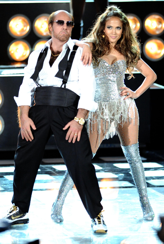 Jennifer Lopez 2010 : jennifer-lopez-performing-at-the-2010-mtv-movie-awards-07