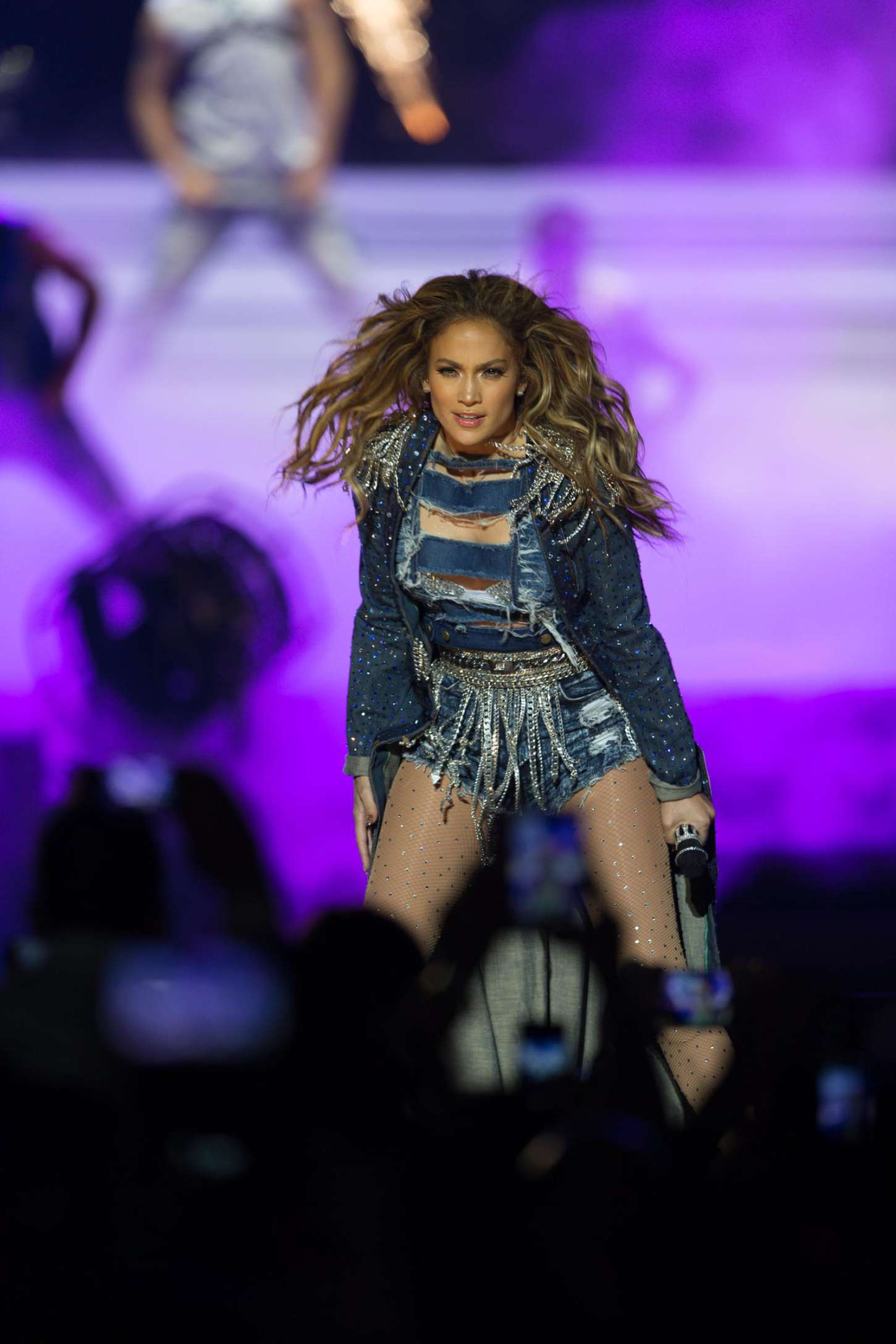 Jennifer lopez performs live in dubai 15 gotceleb Where does jennifer lopez live